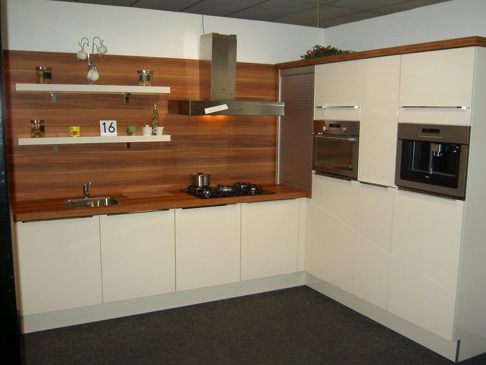 Keuken Kleur Magnolia : Showoom Keukens – Keukens uit voorraad modellen